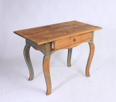 058.table-suedoise